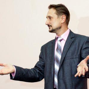 Куда девать руки оратору при выступлении?