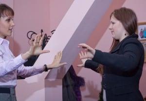 Жесты. Обучение жестам в парах. Жесты. Обучение жестам оратор. Жесты. Жестикуляция. Жесты рук. Жесты оратора
