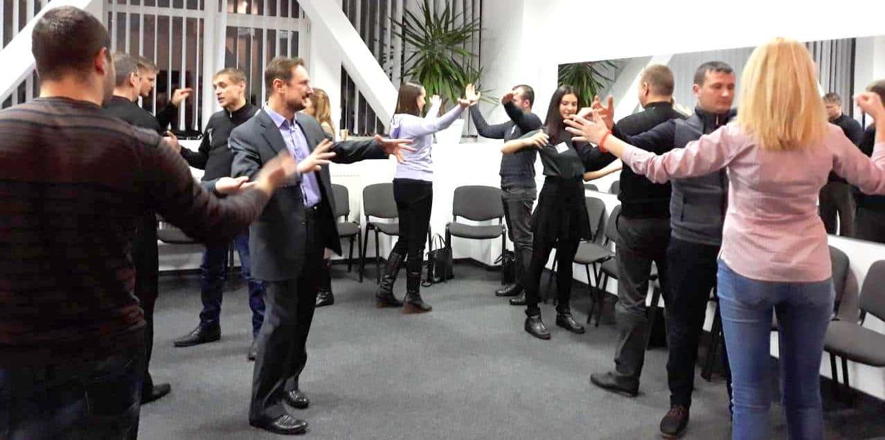 Как проходит обучение жестикуляции