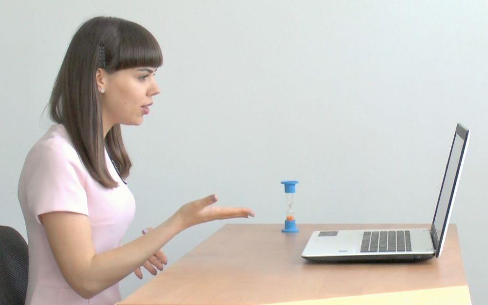 Small talk онлайн по Скайпу за ноутбуком